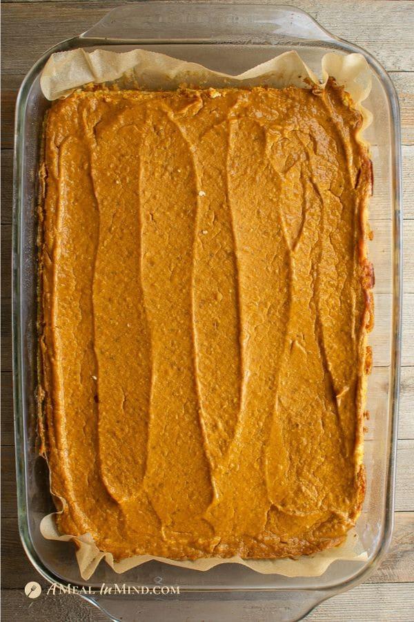 pumpkin pie spice bars gluten free and vegan in baking pan